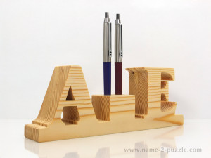 Wooden pen holders (3)